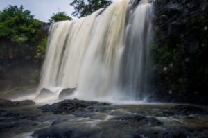 Mundulkiri-waterfall.jpg 12 avril 2018 127 KB 800 × 530 Modifier l'image Adresse web