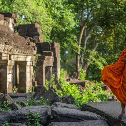 Monks at Banteay Chhmar