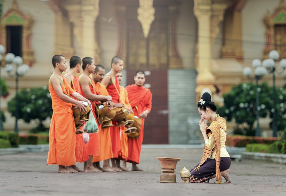 #1 Unusual Cambodian customs and traditions